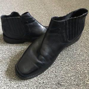 Black Leather Johnston & Murphy Sz 9 Slip-on Boots